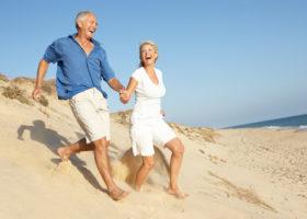 Couple de senior en vacances